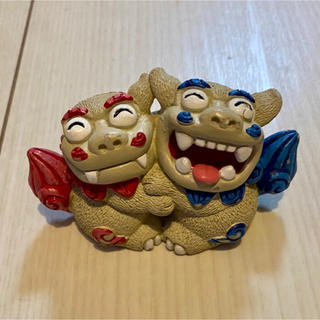 沖縄  シーサーの置物 青赤 カップル 夫婦 笑顔(置物)