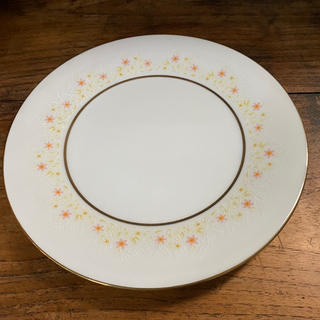 ノリタケ(Noritake)の昭和レトロ ノリタケ 花柄 小花柄 プレート 金縁 白 ホワイト 大皿 浅皿(食器)