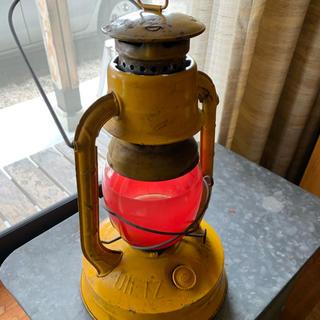 ペトロマックス(Petromax)の DIETZ LITTLE WIZARDランタン  1936年 レッドグローブ(ライト/ランタン)