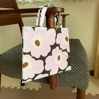 マリメッコ(marimekko)のマリメッコ ミニウニッコ カーキピンク色 ミニトートバック(バッグ)