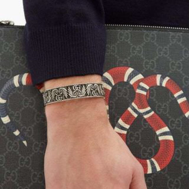 Gucci(グッチ)のGUCCI バングル ブレスレット メンズのアクセサリー(ブレスレット)の商品写真