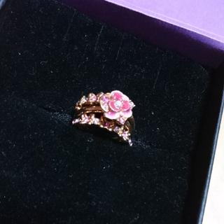 アナスイ(ANNA SUI)のANNASUI アナスイの三連リング 指輪 バラ ローズ ピンク系(リング(指輪))
