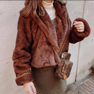 ワンアフターアナザーナイスクラップ(one after another NICE CLAUP)のトリートユアセルフ treat urself treat fur coat(毛皮/ファーコート)