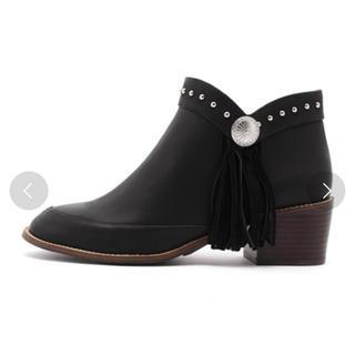アングリッド(Ungrid)のコンチョフリンジ ショートブーツ ブラック (ブーツ)