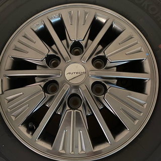 ニッサン(日産)のNV350 キャラバンライダー  純正ホイール&タイヤ4本セット(タイヤ・ホイールセット)