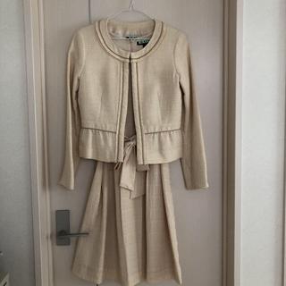 エニィファム(anyFAM)のanyFAM☆フォーマル  スーツ ワンピース ベージュ M(スーツ)