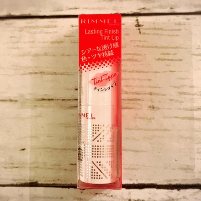 RIMMEL(リンメル)のリンメル ラスティングフィニッシュティントリップ 001 True Red コスメ/美容のベースメイク/化粧品(口紅)の商品写真