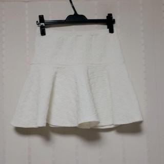 ローズバッド(ROSE BUD)のROSE BUD 白スカート(ミニスカート)