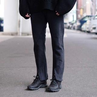 アンユーズド(UNUSED)のold park slit jeans スリットジーンズ(デニム/ジーンズ)