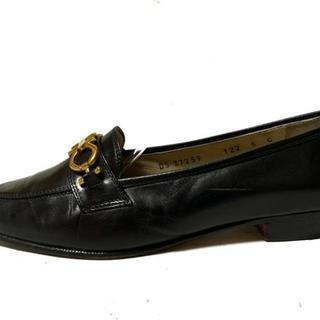 サルヴァトーレフェラガモ(Salvatore Ferragamo)のサルバトーレフェラガモ ローファー 5 - 黒(ローファー/革靴)