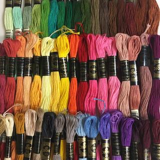 オリンパス(OLYMPUS)のDMC、オリンパス混合刺繍糸50色50本 2(生地/糸)