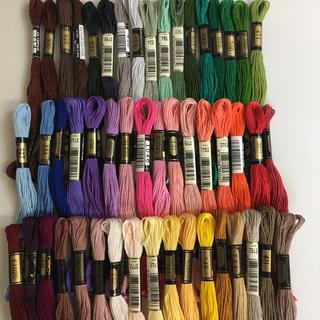 オリンパス(OLYMPUS)のDMC、オリンパス混合刺繍糸50色50本 1(生地/糸)