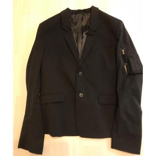 ディーゼル(DIESEL)のDIESEL BLACK GOLD黒ジャケット(テーラードジャケット)