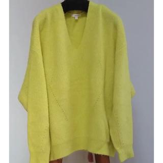 レイビームス(Ray BEAMS)のVネック ビタミンカラー yellowセーター(ニット/セーター)