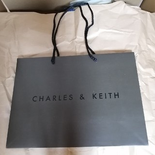 チャールズアンドキース(Charles and Keith)のチャールズ&キース 紙袋(ショップ袋)