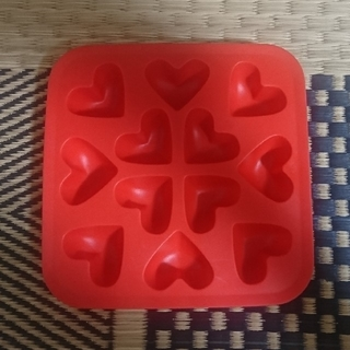 イケア(IKEA)のハート型アイスキューブトレイ☆10月末まで(調理道具/製菓道具)