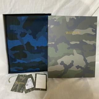ヴァレンティノ(VALENTINO)の新品 本物正規品 VALENTINO メンズ ストール マフラー カモフラ 迷彩(ストール)