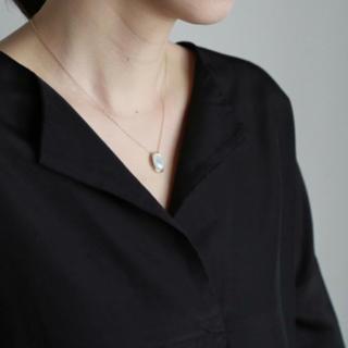エヴァムエヴァ(evam eva)のevam eva エヴァムエヴァ mother of pearl pendant(ネックレス)