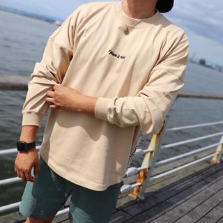 スタンダードカリフォルニア(STANDARD CALIFORNIA)の秋コーデ☆LUSSO SURF 刺繍テープ ロンT Mサイズ☆RVCA(トレーナー/スウェット)