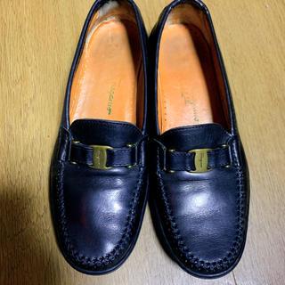 サルヴァトーレフェラガモ(Salvatore Ferragamo)のFerragamo フェラガモ ローファー フラットシューズ(ローファー/革靴)