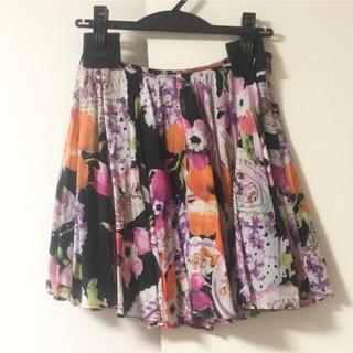 ルシェルブルー(LE CIEL BLEU)の☆ マニアニエンナ サーキュラースカート 花柄 ブラック MANIANIENNA(ミニスカート)