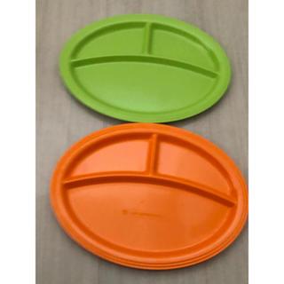 ルクルーゼ(LE CREUSET)の新品未使用☆早い者勝ち!非売品のルクルーゼ プレート2枚セット 緑&オレンジ(食器)
