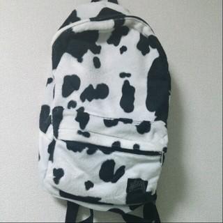 シンアンドカンパニー(SHIN&COMPANY)の牛柄リュック@値下げ(リュック/バックパック)