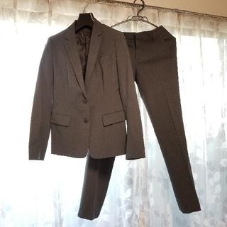 スーツ レディース ユニクロ