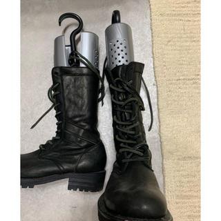 イサムカタヤマバックラッシュ(ISAMUKATAYAMA BACKLASH)のイサムカタヤマ バックラッシュ コンバットブーツ ジャパンダブルショルダー製品染(ブーツ)