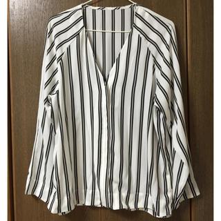 ジーユー(GU)のGUストライプとろみシャツ(シャツ/ブラウス(半袖/袖なし))