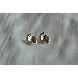 シップス(SHIPS)のsilver925post𓏑 mame  pierce 𓏑⦅gold⦆(ピアス)
