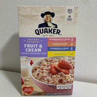 クエーカー オートミール フルーツ & クリーム 1箱8袋入り+おまけつき(米/穀物)