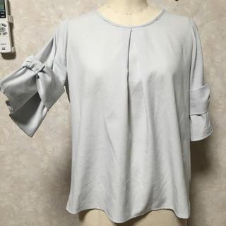 シマムラ(しまむら)の水色 リボン ブルー ブラウス(シャツ/ブラウス(半袖/袖なし))