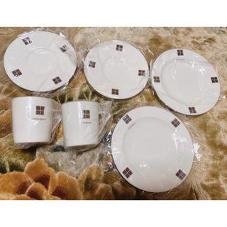 イヴサンローランボーテ(Yves Saint Laurent Beaute)の新品未使用 イヴサンローラン お皿 マグカップ(食器)