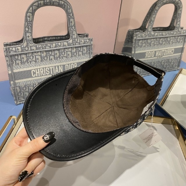 Christian Dior(クリスチャンディオール)のDIORキャップ レディースの帽子(キャップ)の商品写真