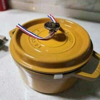 ストウブ(STAUB)の22cm 鋳鉄STAUBエナメル鍋(調理道具/製菓道具)