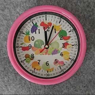 フルーツ 果物 分入り ピンク枠 掛け時計(知育玩具)