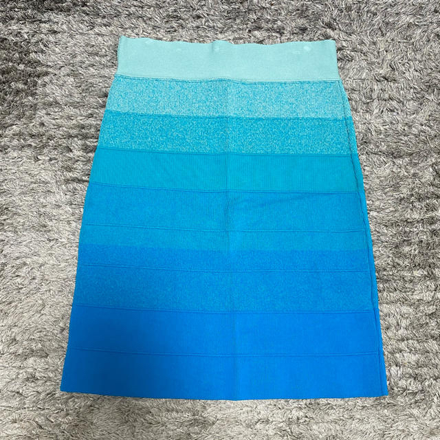BCBGMAXAZRIA(ビーシービージーマックスアズリア)のbcbgmaxazria タイトスカート グラデーション レディースのスカート(ミニスカート)の商品写真