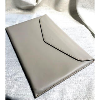 エイスース(ASUS)のASUS zenbook UX390 13インチの純正レザーケース(PC周辺機器)