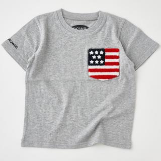 ロデオクラウンズワイドボウル(RODEO CROWNS WIDE BOWL)のRODEO CROWNS WIDE BOWLキッズUSサガラポケット国旗Tシャツ(Tシャツ/カットソー)