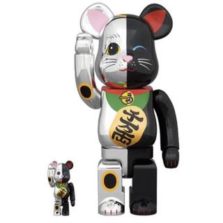 メディコムトイ(MEDICOM TOY)の00様専用 2個 BE@RBRICK 招き猫 銀×黒 100%&400%(その他)