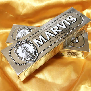マービス(MARVIS)のmarvis ホワイトニングミント 85ml 2個セット(歯磨き粉)