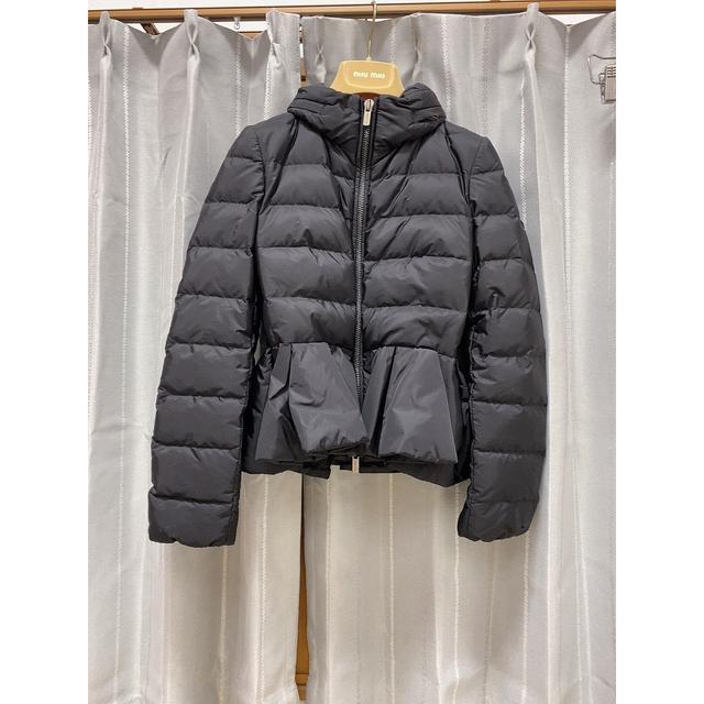miumiu(ミュウミュウ)のmiumiu フリルダウン♡ レディースのジャケット/アウター(ダウンジャケット)の商品写真