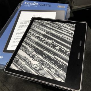 アンドロイド(ANDROID)の最新機種Kindle Oasis 色調調節ライト搭載 wifi 8GB ケース付(電子ブックリーダー)
