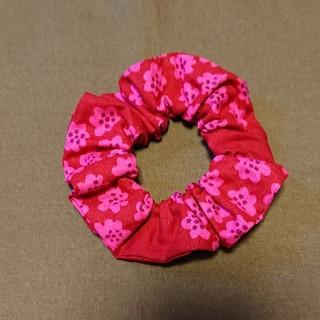 マリメッコ(marimekko)のシュシュキッズサイズ マリメッコピンク花柄(ヘアアクセサリー)