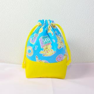 ピカチュウ(水色)★コップ入れ袋★ハンドメイド★大人気最新柄★(外出用品)