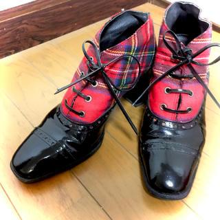 ジェーンマープル(JaneMarple)のタータン チェックエナメル レースアップシューズ 赤 黒(ローファー/革靴)