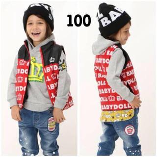 ベビードール(BABYDOLL)の新品 BABYDOLL☆100 総ロゴ柄 中綿ベスト 赤 ベビードール(ジャケット/上着)