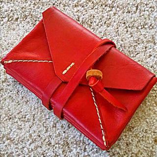ヘルツ(HERZ)の【未使用品】ヘルツ HERZ レター型 封筒型 財布 赤 レッド(財布)