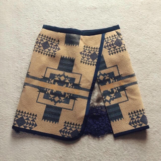 サカイ(sacai)のsacai  luck ネイティブ柄 スカート 民族調 レース(ひざ丈スカート)
